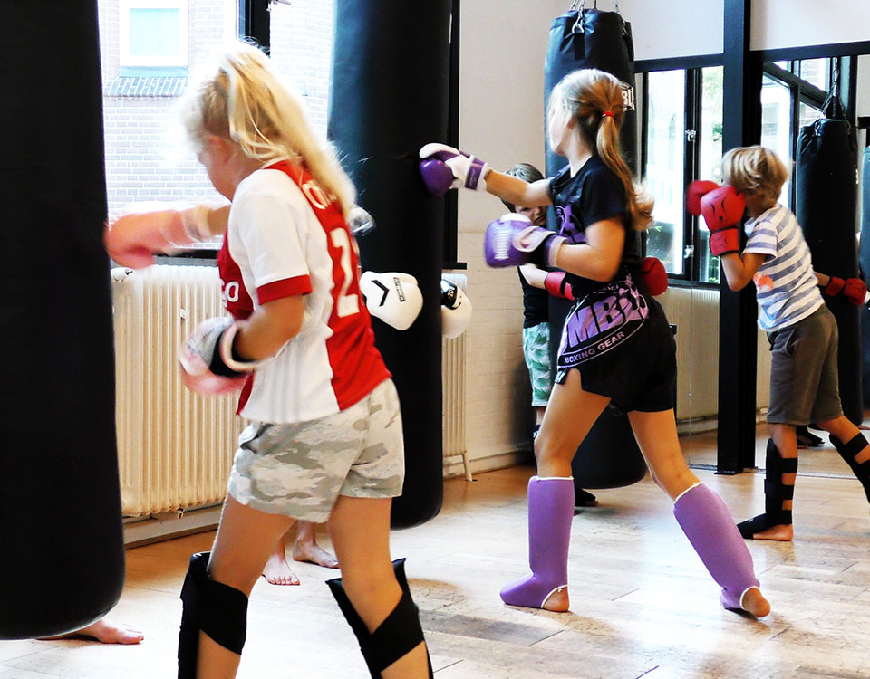 flash studio laren kickboksen jeugd